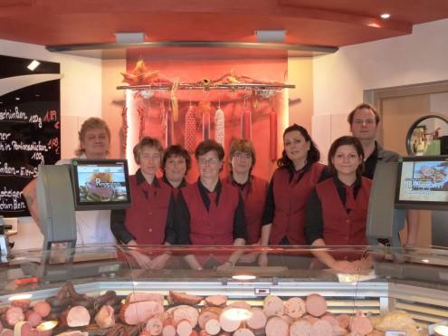 Von links nach rechts Sylvia Traa,  Monika Wagenblast, Gertrud Eckstein, Helene Schirle sen., Heide Davies, Heinz Schirle sen. ,Simone Schirle jun. und Thomas Schirle jun.